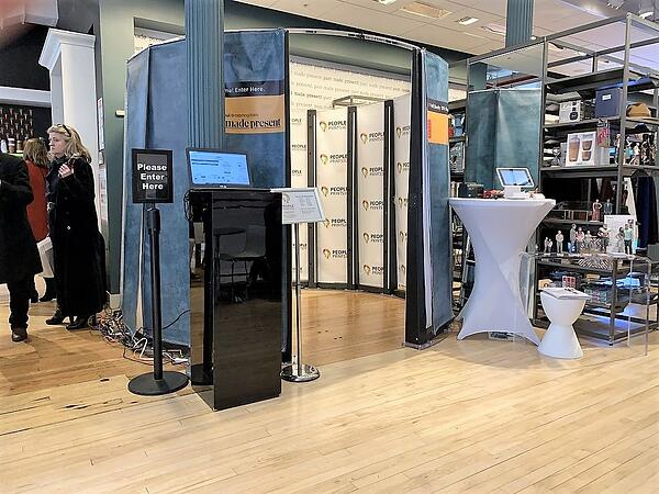 Kodak 3D scanner in Bloomingdales Twindom2